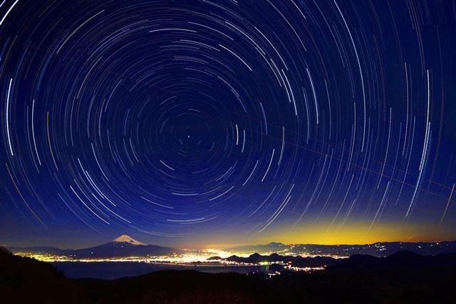 達磨山からの富士山と星空